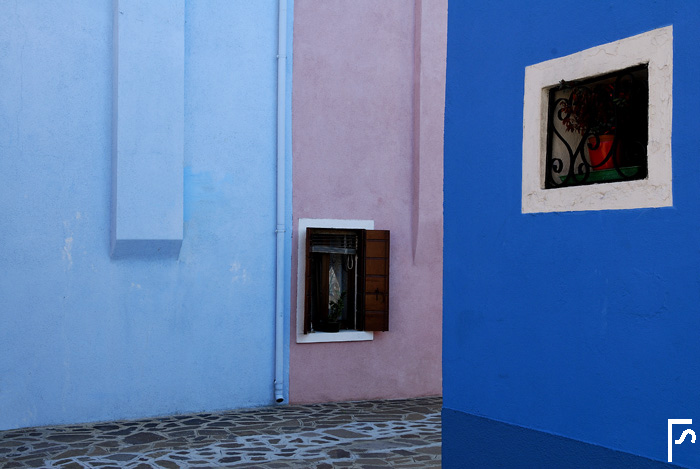 Corners (a day in Burano #3)