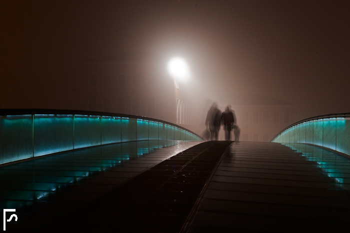Fog and luminous paths